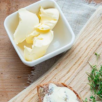 Масло сливочное из коровьего молока