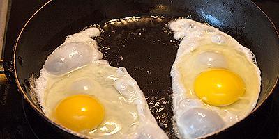 """ТВОЙПРОДУКТ: Яйца от КФХ """"Трушково поле"""". Сравнение с яйцом из птицефабрики"""