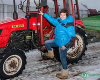 Из офиса на трактор. Какую ферму удалось создать бывшей бизнес-леди Ларисе Цветковой